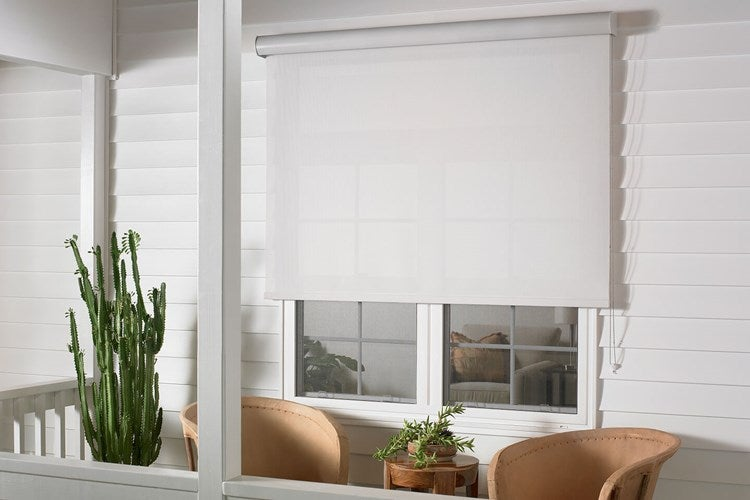 Outdoor balckout roll up shades for screened porches