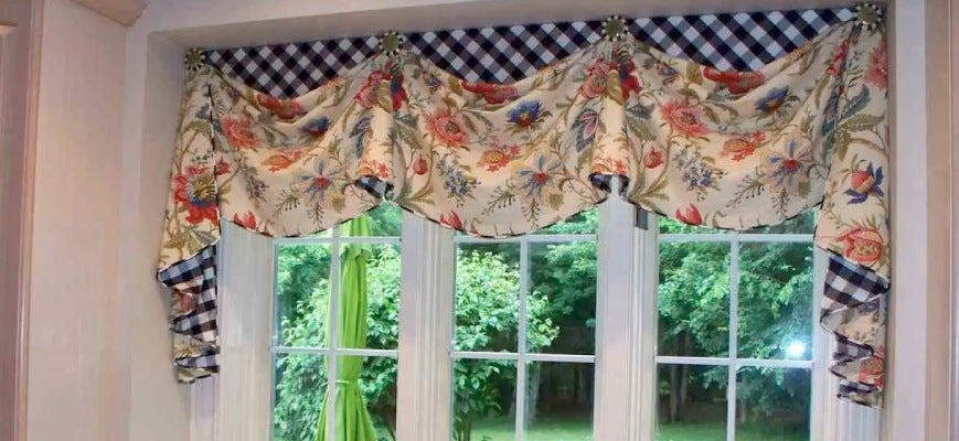 Cornices and Valances for Kitchen