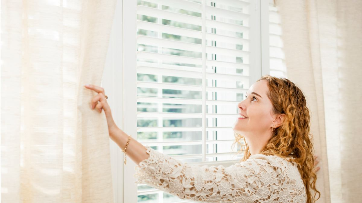 How To Bring A Soft Calm Look Inside with Window Blinds